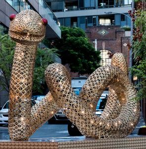 The Snake, Chinatown